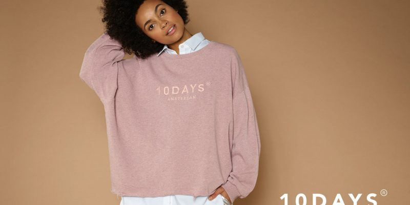 Frau in rosanem 10Days Pulli