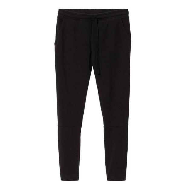Die Cropped Jogger von 10 days in schwarz. Ein Fashion Basic, das sowohl stylisch als auch bequem ist. Das weiche Material sowie ein elastischer Bund sorgen für hohen Tragekomfort