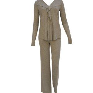 Schlafanzug biscuit Grau mit langer Hose und Armen und Rüschen