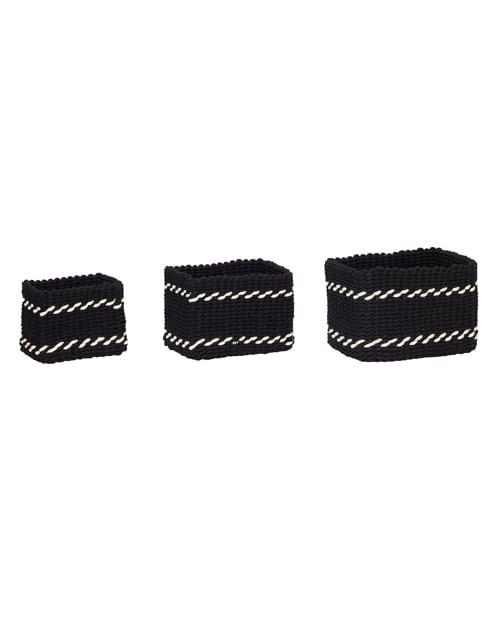 Hübsch Körbe in verschiedenen Größen grob gewebt aus Stoffbändern in Schwarz Weiß