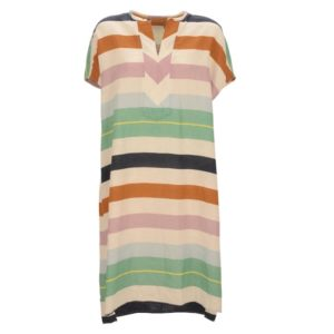 Robert-Friedman-Giselel-authentic-sophisticated-high-premium-quality-oversize-dress-kleid-stripes-v-neck-kurzarm-casual-summer-outfit-look-vorderseite-front