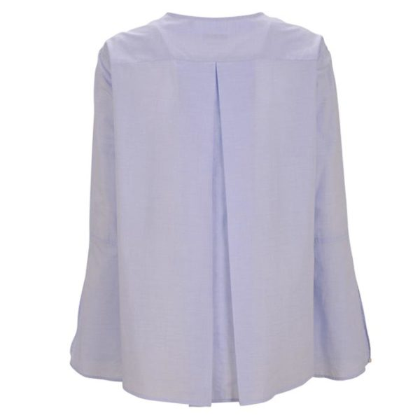 Robert-Friedman-Zoe-authentic-sophisticated-high-premium-quality-oversize-bluse-blouse-light-blue-stehkragen-stand-up-collar-summer-outfit-rueckseite-back